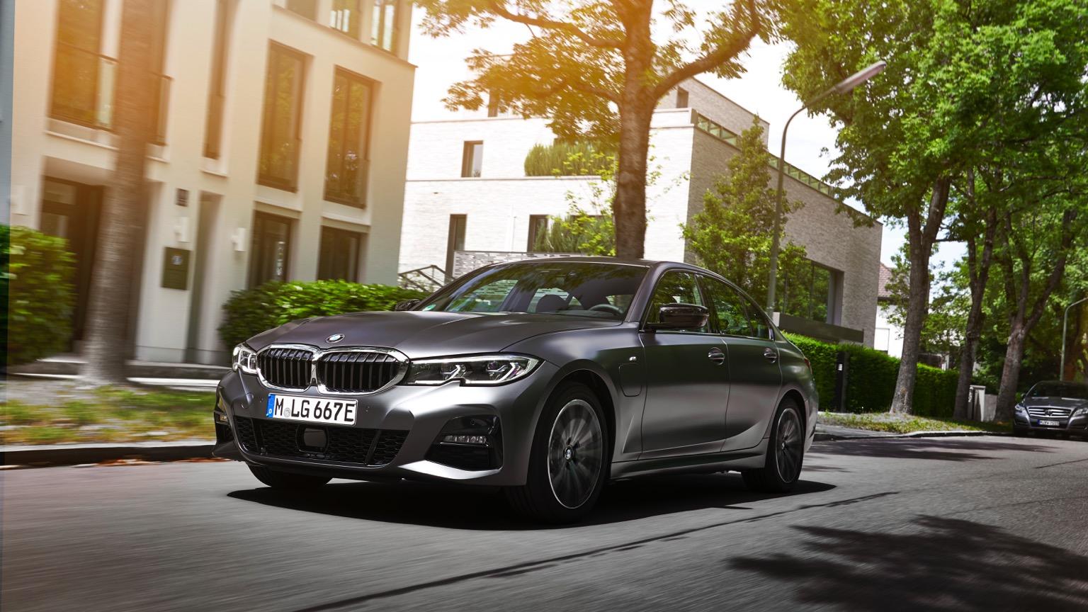 BMW 330e xDrive Sedan (2020)