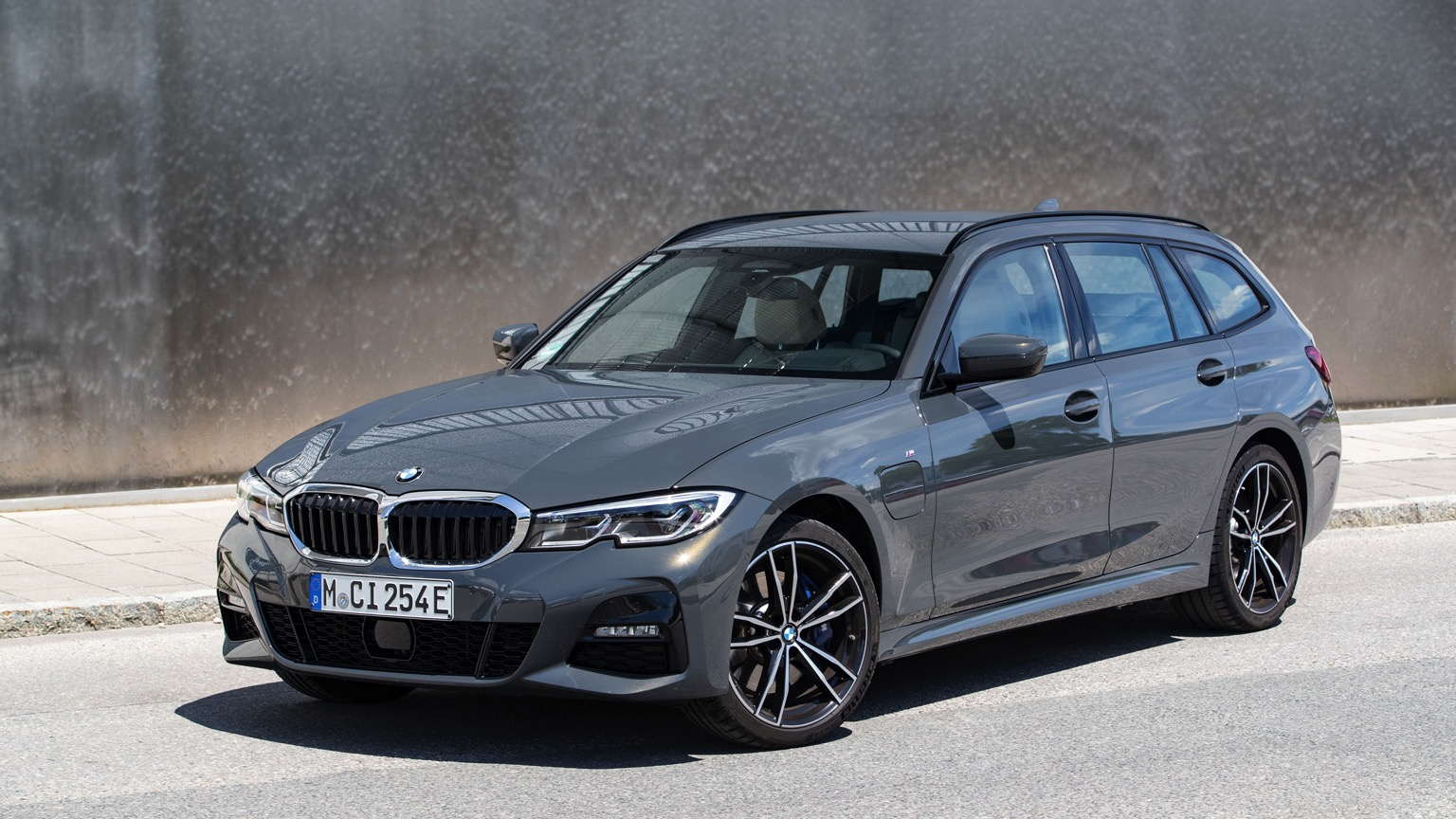 BMW 330e xDrive Touring (2020)