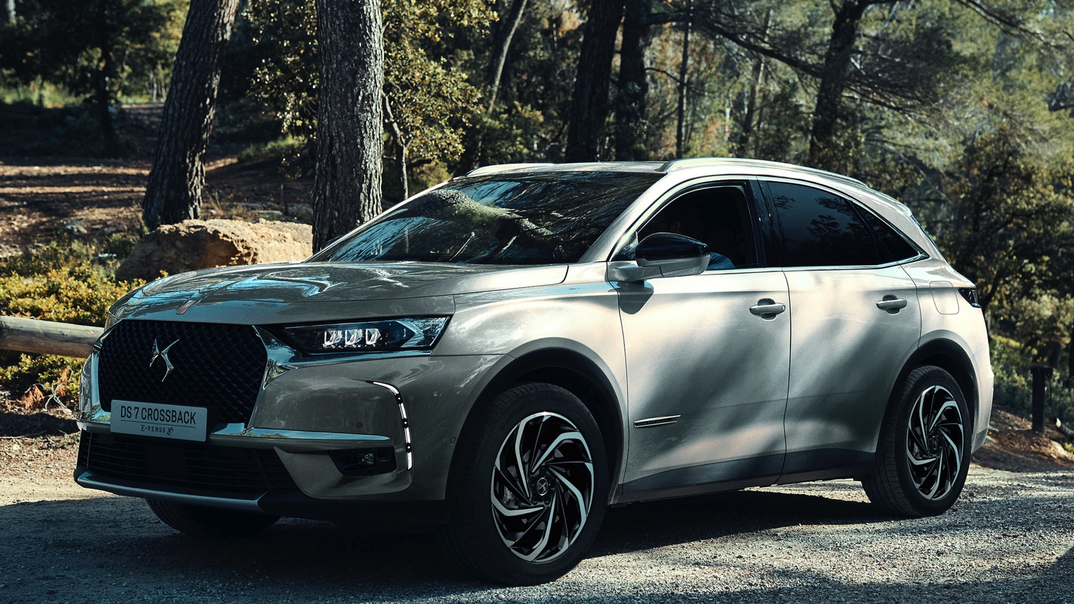 DS 7 Crossback E-Tense 225 (2019)