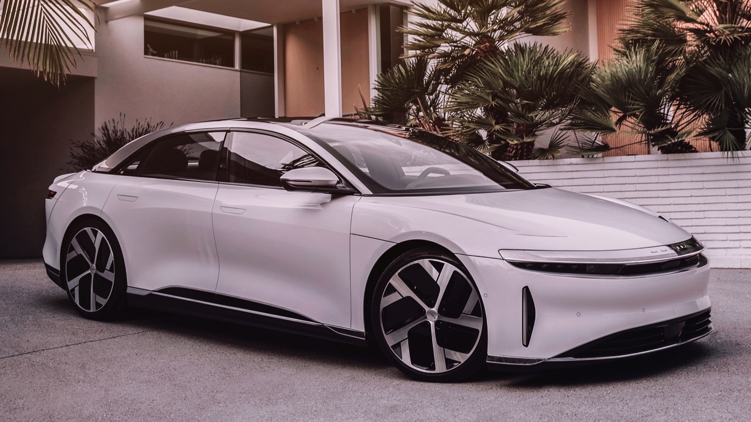 Lucid Air Touring (2022)