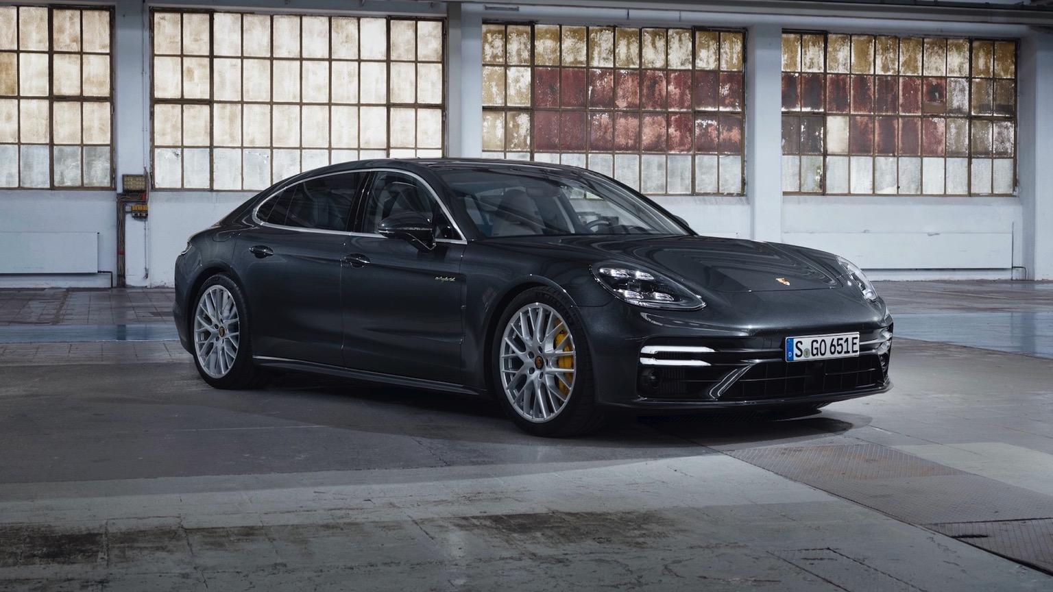 Porsche Panamera 4 E-Hybrid (2020)