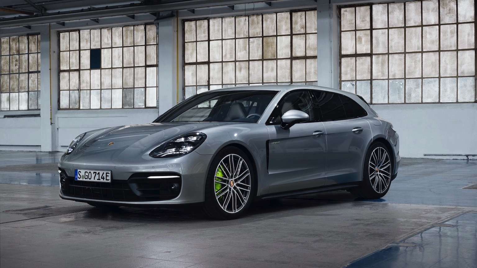 Porsche Panamera Sport Turismo 4 E-Hybrid (2020)