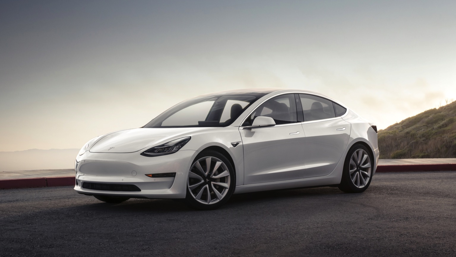 Tesla Model 3 Long Range Performance (2019)