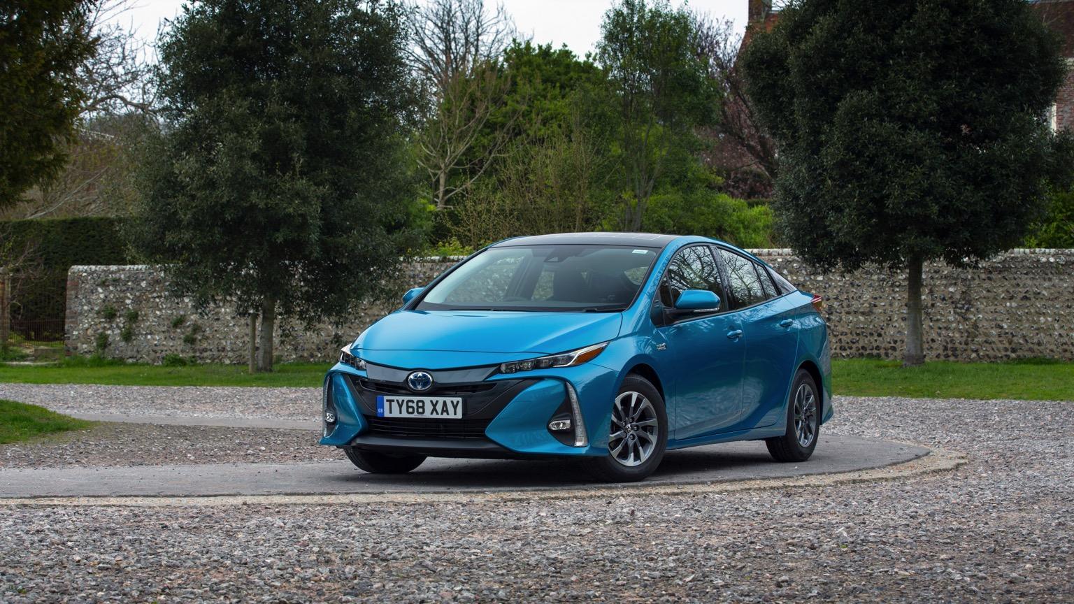 Toyota Prius Plug-in Hybrid (2019)
