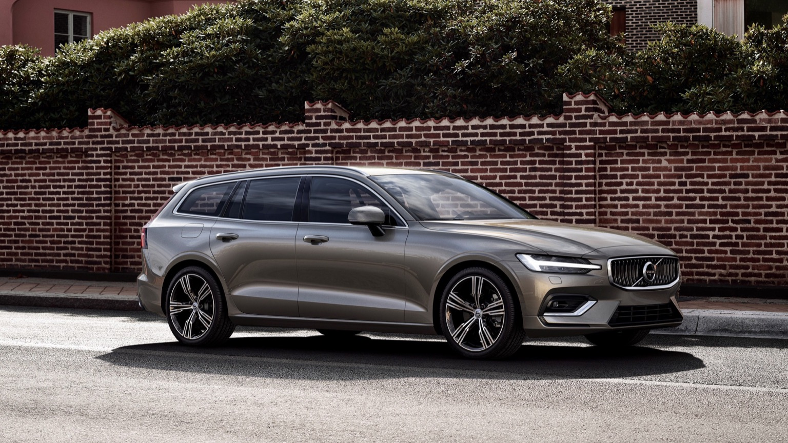 Volvo V60 T8 Twin-Engine (2018)