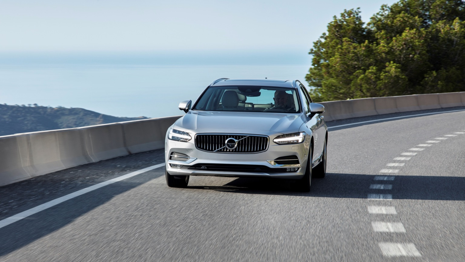 Volvo V90 T8 Twin-Engine (2018)