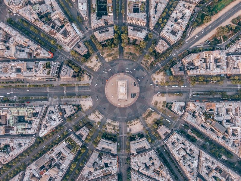 arc de triomphe paris traffic aerial